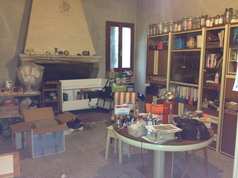 Soluzione Indipendente in vendita a Budrio, 7 locali, prezzo € 180.000 | CambioCasa.it