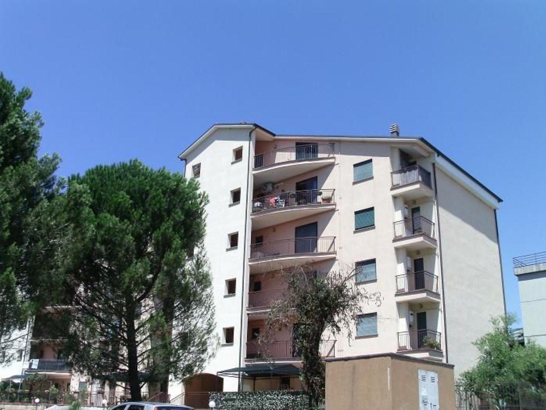 Appartamento in affitto a Orte, 6 locali, prezzo € 450 | Cambio Casa.it