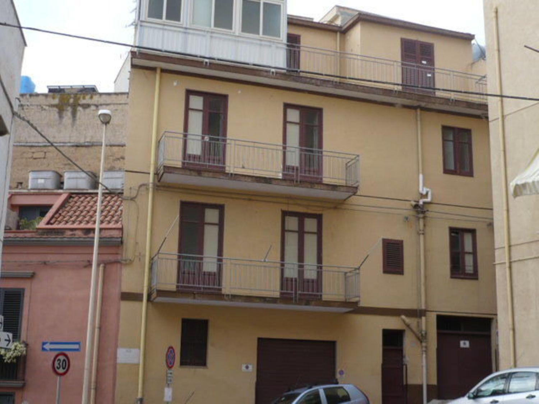 Soluzione Indipendente in vendita a Termini Imerese, 8 locali, prezzo € 150.000 | CambioCasa.it