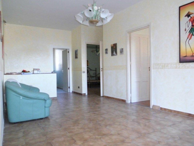 Appartamento in vendita a Monreale, 4 locali, prezzo € 69.000 | CambioCasa.it