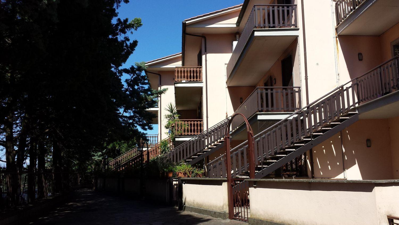 Duplex in affitto a Velletri, 6 locali, prezzo € 700 | CambioCasa.it