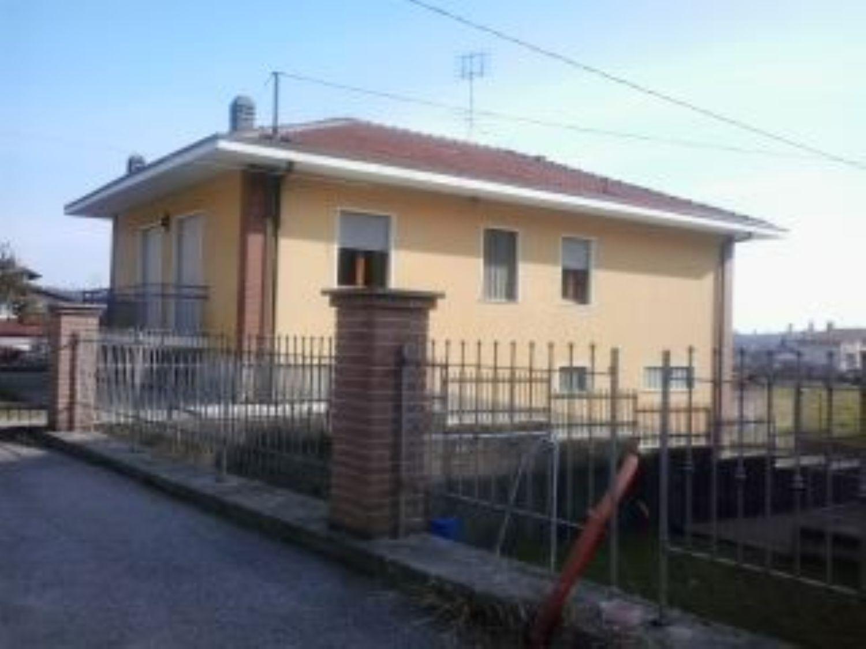 Soluzione Indipendente in vendita a Cuorgnè, 4 locali, prezzo € 190.000 | Cambio Casa.it