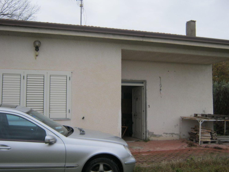 Soluzione Indipendente in vendita a Pietrelcina, 5 locali, prezzo € 130.000 | CambioCasa.it