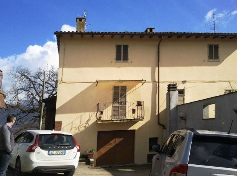 Soluzione Indipendente in vendita a Todi, 8 locali, prezzo € 110.000 | Cambio Casa.it