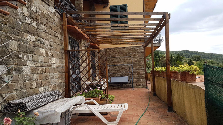 Appartamento su due piani In Vendita Bagno a Ripoli