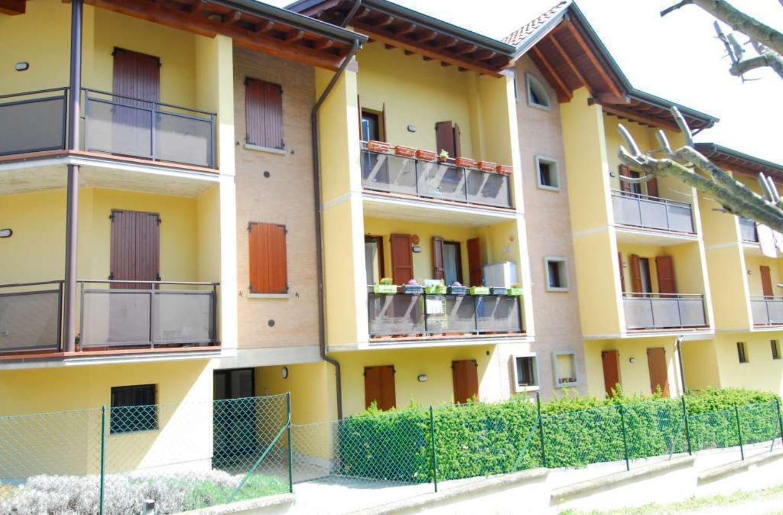 Appartamento in vendita a Albinea, 7 locali, prezzo € 179.000 | Cambio Casa.it