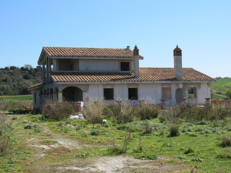 Soluzione Indipendente in vendita a Cerveteri, 5 locali, prezzo € 300.000 | Cambio Casa.it