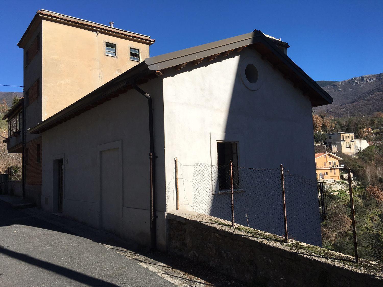 Soluzione Indipendente in vendita a Subiaco, 4 locali, prezzo € 90.000   CambioCasa.it