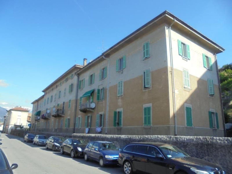 Appartamento in vendita a Luino, 2 locali, prezzo € 85.000   Cambio Casa.it