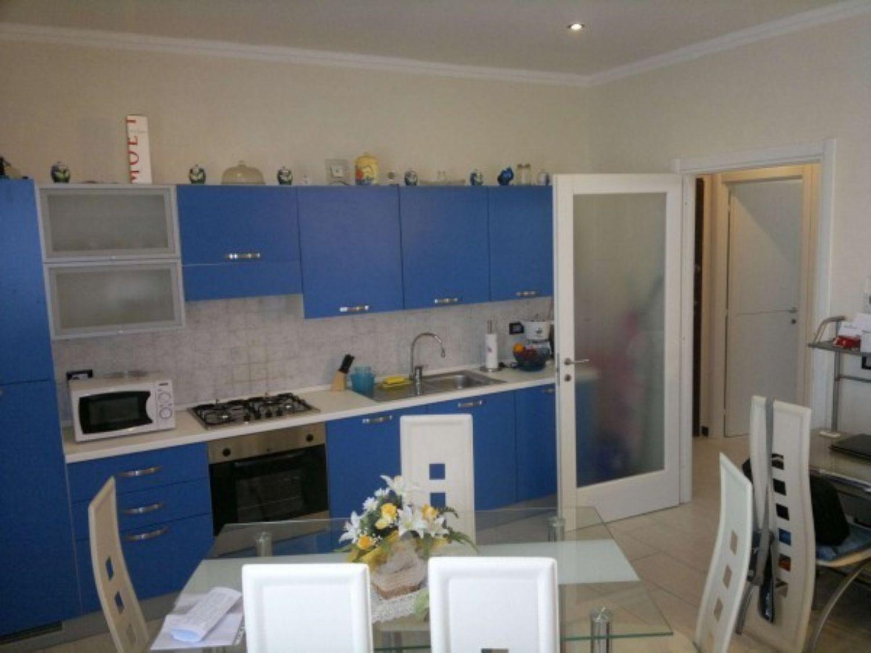 Appartamento in vendita a Imperia, 2 locali, prezzo € 99.000 | Cambio Casa.it