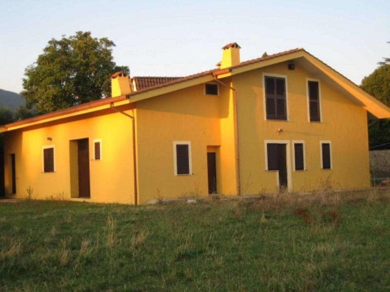 Soluzione Indipendente in vendita a Velletri, 6 locali, prezzo € 310.000 | Cambio Casa.it