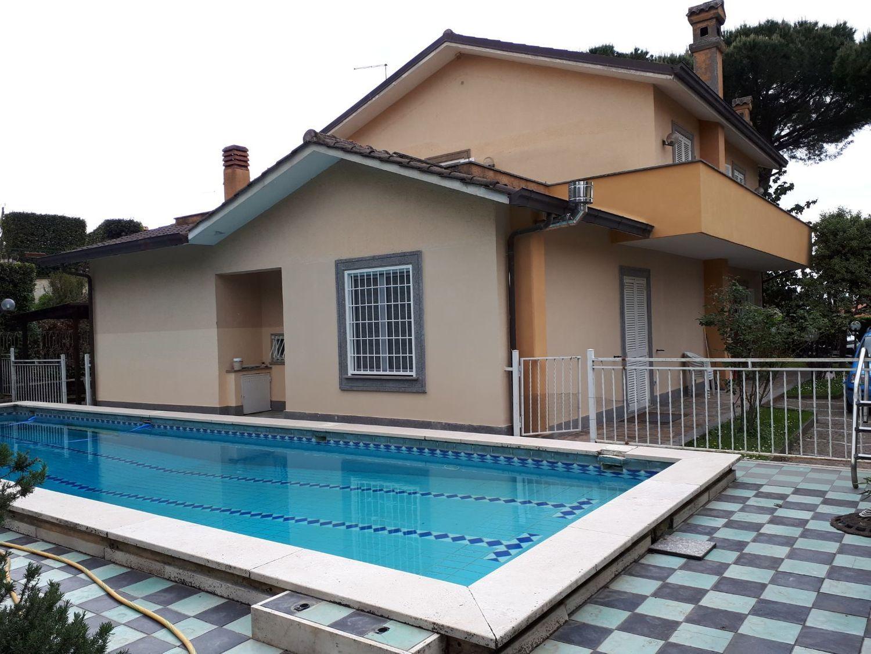 Soluzione Indipendente in vendita a Grottaferrata, 8 locali, prezzo € 890.000 | CambioCasa.it