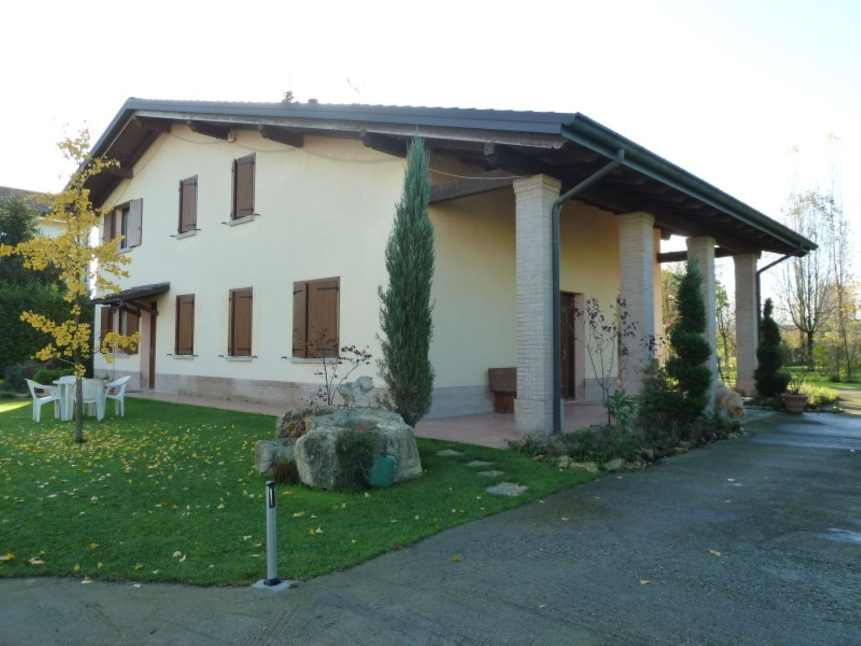 Soluzione Indipendente in vendita a San Giovanni in Persiceto, 6 locali, prezzo € 385.000 | Cambio Casa.it