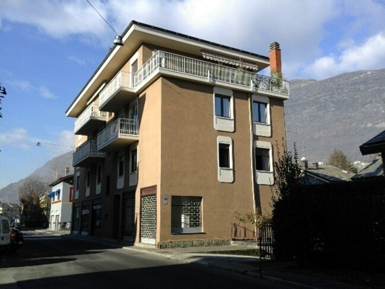 Immobile Commerciale in affitto a Sondrio, 9999 locali, prezzo € 590 | Cambio Casa.it