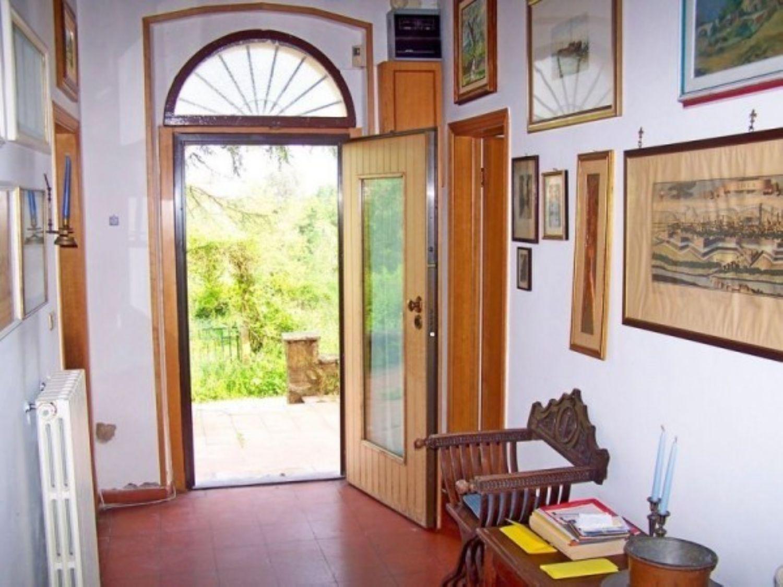 Soluzione Indipendente in vendita a Montecarlo, 6 locali, prezzo € 490.000 | Cambio Casa.it