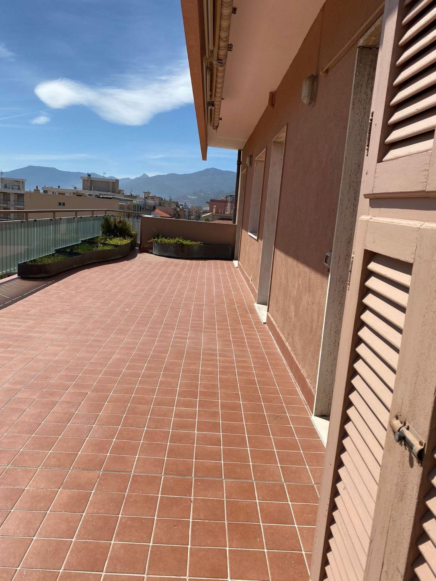 Attico / Mansarda in affitto a Bordighera, 4 locali, prezzo € 1.000 | PortaleAgenzieImmobiliari.it
