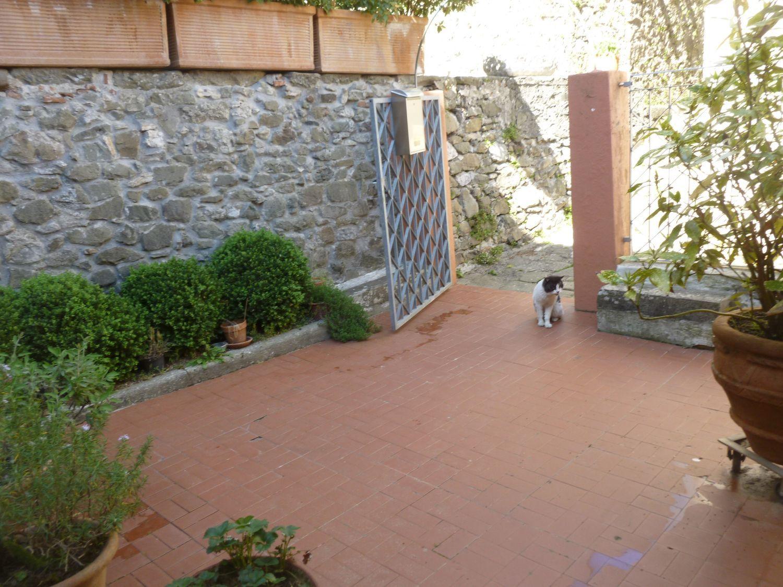 Soluzione Indipendente in vendita a Pescaglia, 7 locali, prezzo € 110.000 | CambioCasa.it