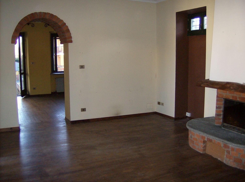 Appartamento in vendita a Cuorgnè, 3 locali, prezzo € 78.000 | CambioCasa.it