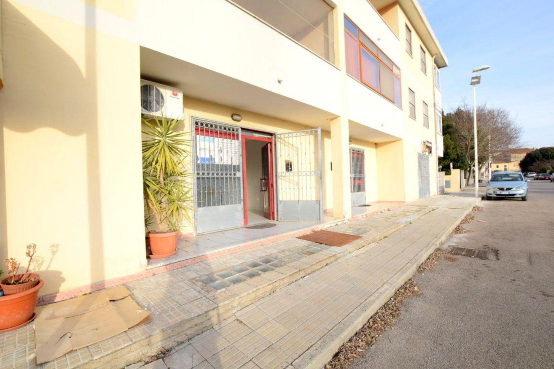 Immobile Commerciale in affitto a Sassari, 9999 locali, prezzo € 450 | Cambio Casa.it