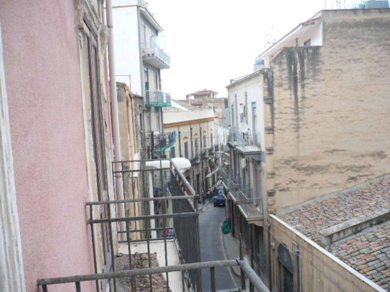 Duplex in vendita a Termini Imerese, 8 locali, prezzo € 85.000 | Cambio Casa.it