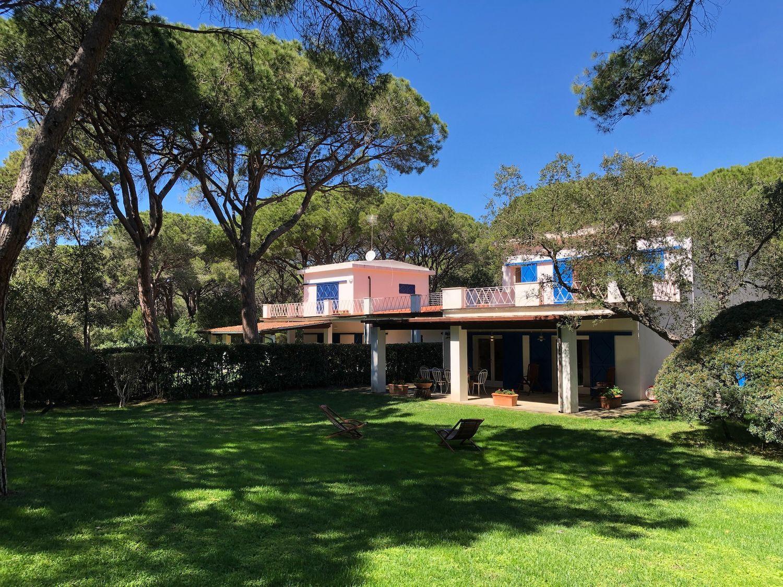 Soluzione Indipendente in affitto a Castiglione della Pescaia, 12 locali, prezzo € 20.000 | CambioCasa.it