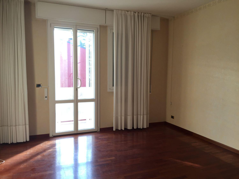 Appartamento in affitto a Casalecchio di Reno, 5 locali, prezzo € 680 | Cambio Casa.it