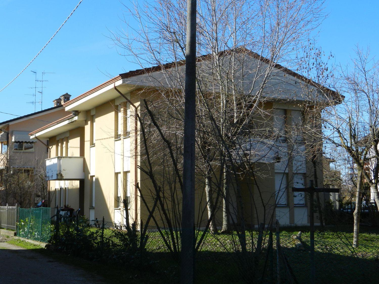 Soluzione Indipendente in vendita a Albinea, 9 locali, prezzo € 210.000 | Cambio Casa.it