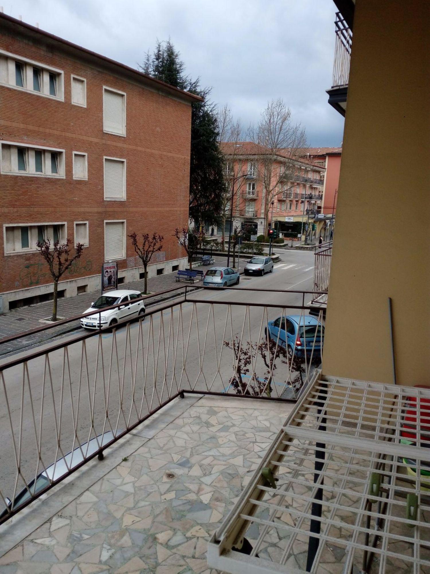 Appartamento in vendita a Avellino, 4 locali, prezzo € 180.000 | Cambio Casa.it