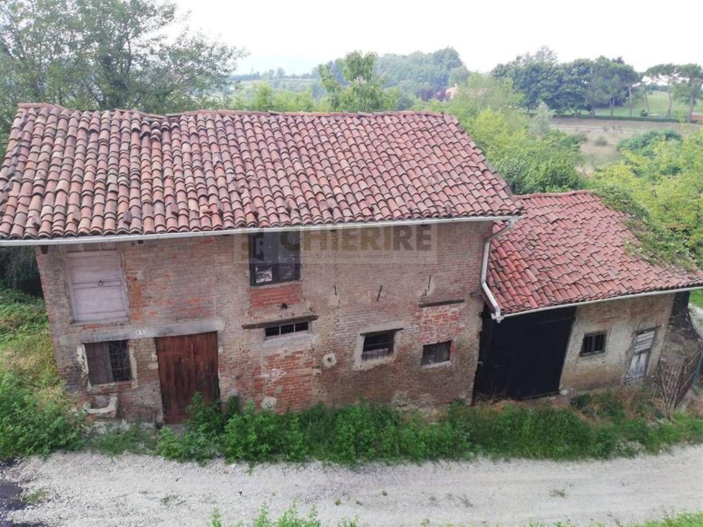 Appartamento in vendita a Cinzano, 10 locali, prezzo € 20.000   PortaleAgenzieImmobiliari.it
