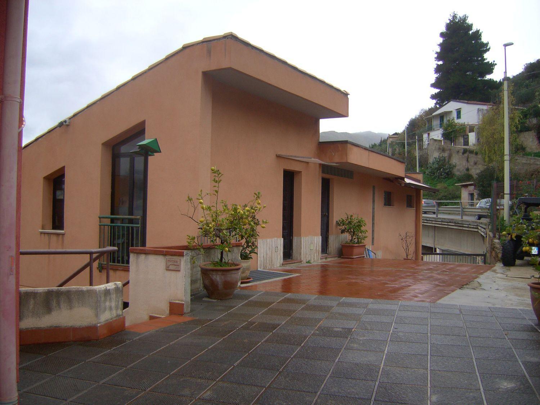 Soluzione Indipendente in vendita a Monreale, 9 locali, prezzo € 480.000 | CambioCasa.it
