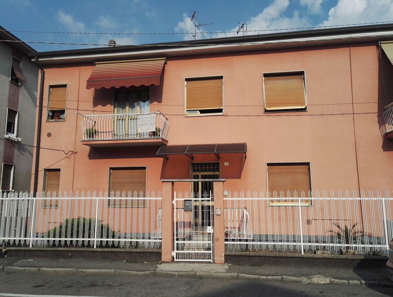 Appartamento in vendita a Varedo, 3 locali, prezzo € 165.000 | Cambio Casa.it