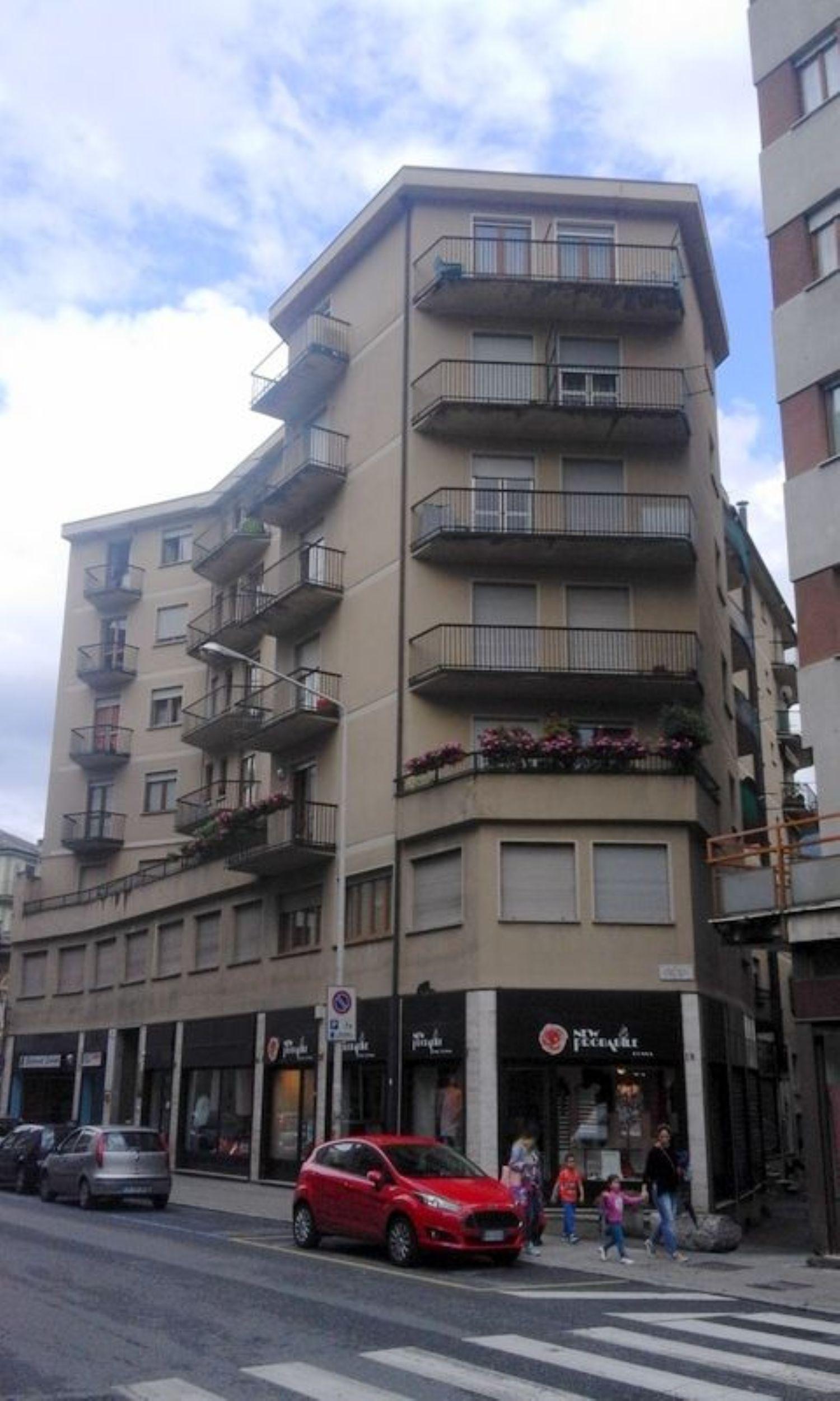 Appartamento in vendita a Sondrio, 5 locali, prezzo € 90.000 | Cambio Casa.it