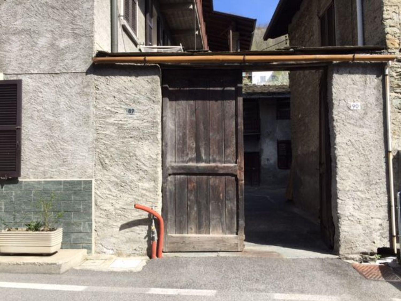 Appartamento in vendita a Sondrio, 3 locali, prezzo € 19.000 | CambioCasa.it