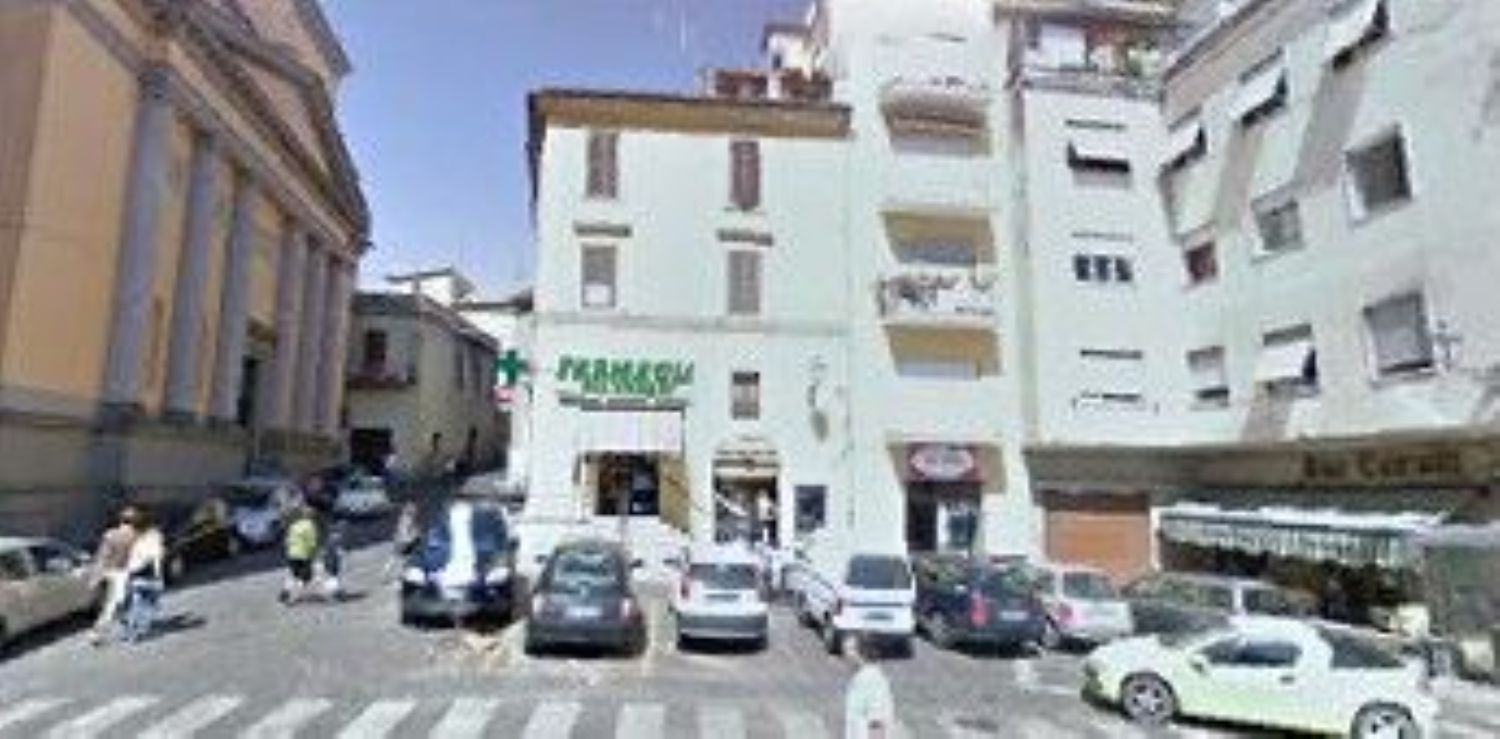 Immobile Commerciale in Affitto a Velletri