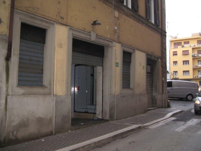 Immobile Commerciale in affitto a Velletri, 9999 locali, prezzo € 1.100 | Cambio Casa.it