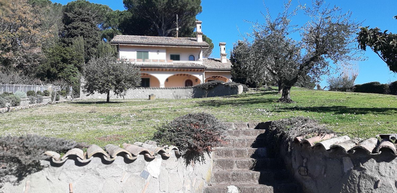 Soluzione Indipendente in vendita a Grottaferrata, 12 locali, prezzo € 1.200.000   CambioCasa.it