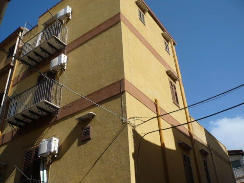 Soluzione Indipendente in vendita a Termini Imerese, 7 locali, prezzo € 80.000 | Cambio Casa.it