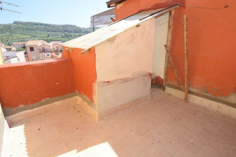 Soluzione Indipendente in vendita a Bosa, 8 locali, prezzo € 115.000 | Cambio Casa.it