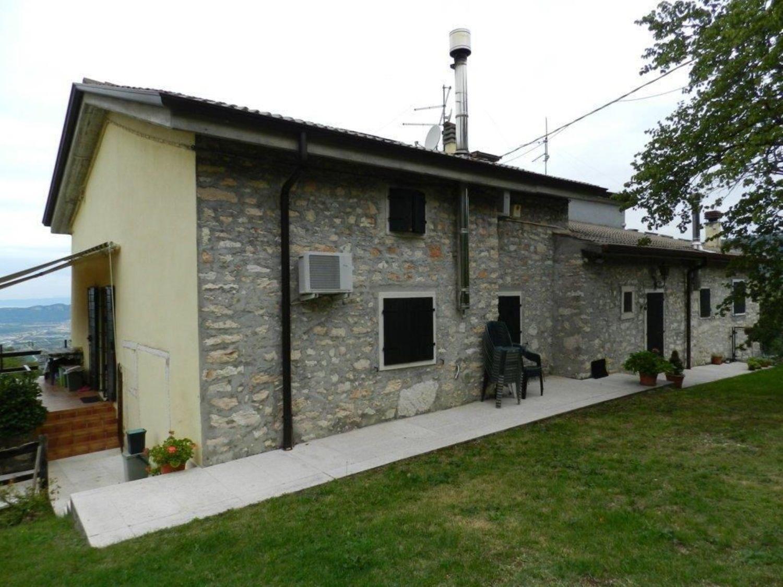 Appartamento in vendita a Sant'Ambrogio di Valpolicella, 8 locali, prezzo € 330.000 | Cambio Casa.it