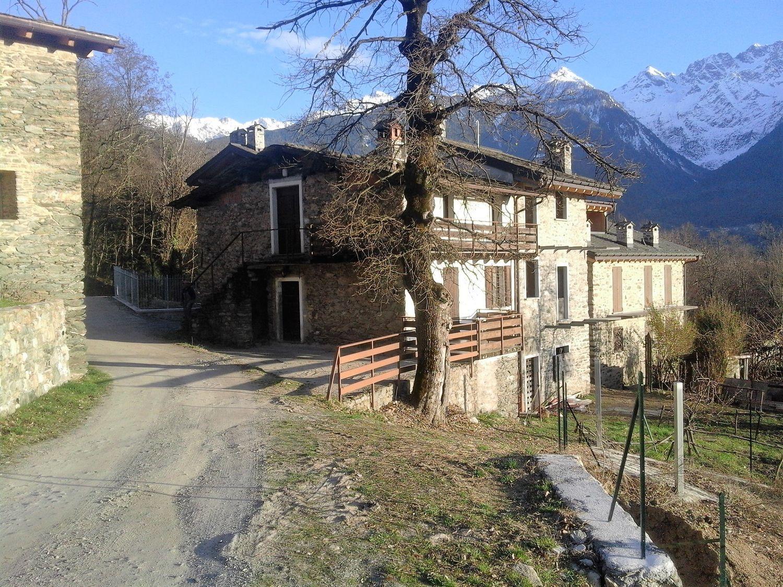 Villa Bifamiliare in vendita a Teglio, 5 locali, prezzo € 70.000 | Cambio Casa.it