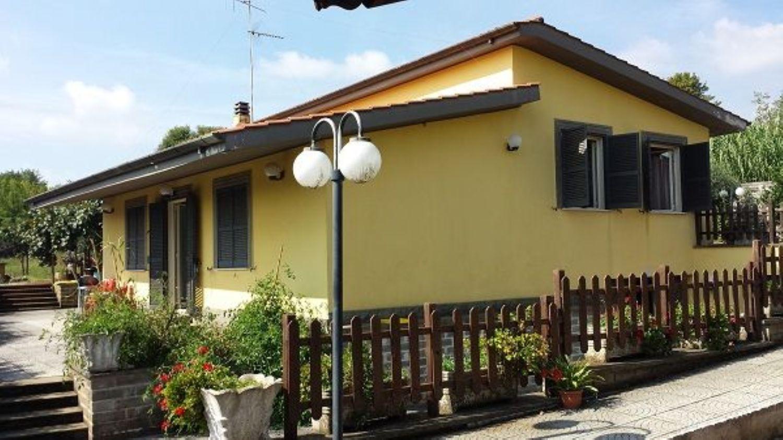 Soluzione Indipendente in vendita a Velletri, 6 locali, prezzo € 289.000 | CambioCasa.it