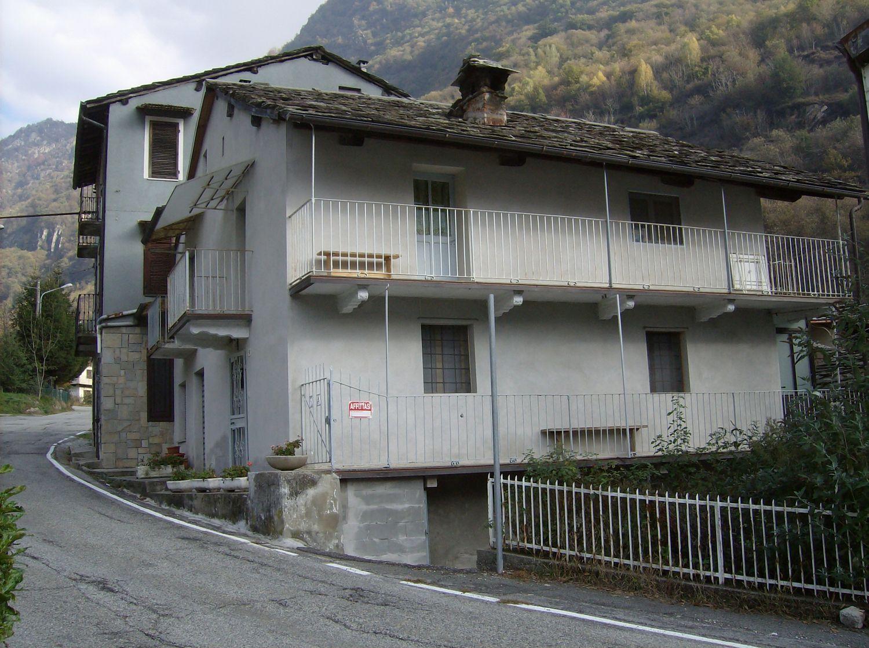 Soluzione Indipendente in vendita a Sparone, 4 locali, prezzo € 45.000 | CambioCasa.it
