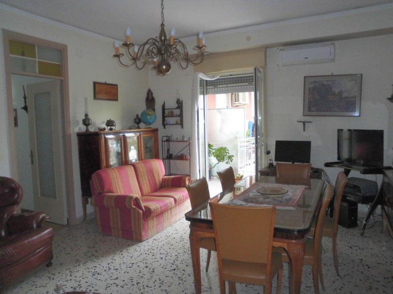 Appartamento in vendita a Monreale, 3 locali, prezzo € 90.000 | CambioCasa.it