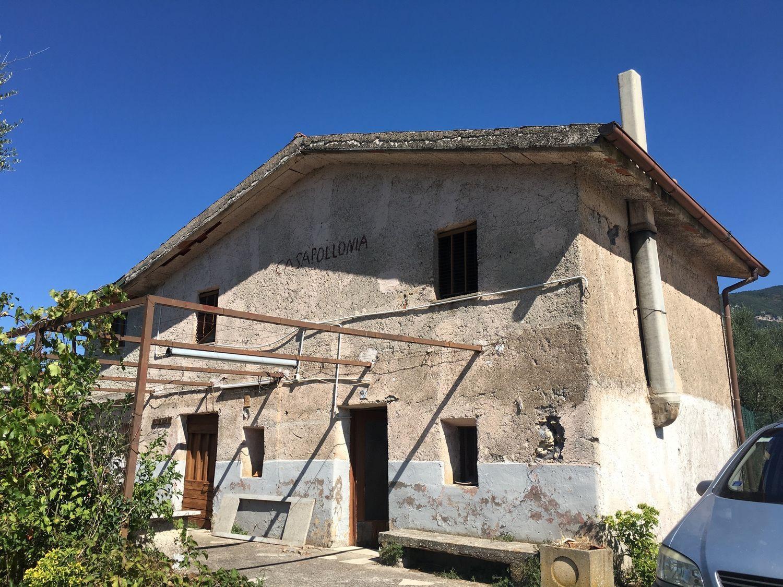 Appartamento in vendita a Subiaco, 4 locali, prezzo € 85.000 | Cambio Casa.it