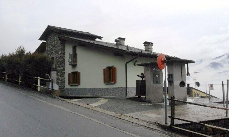 Soluzione Indipendente in vendita a Tresivio, 10 locali, prezzo € 1 | Cambio Casa.it