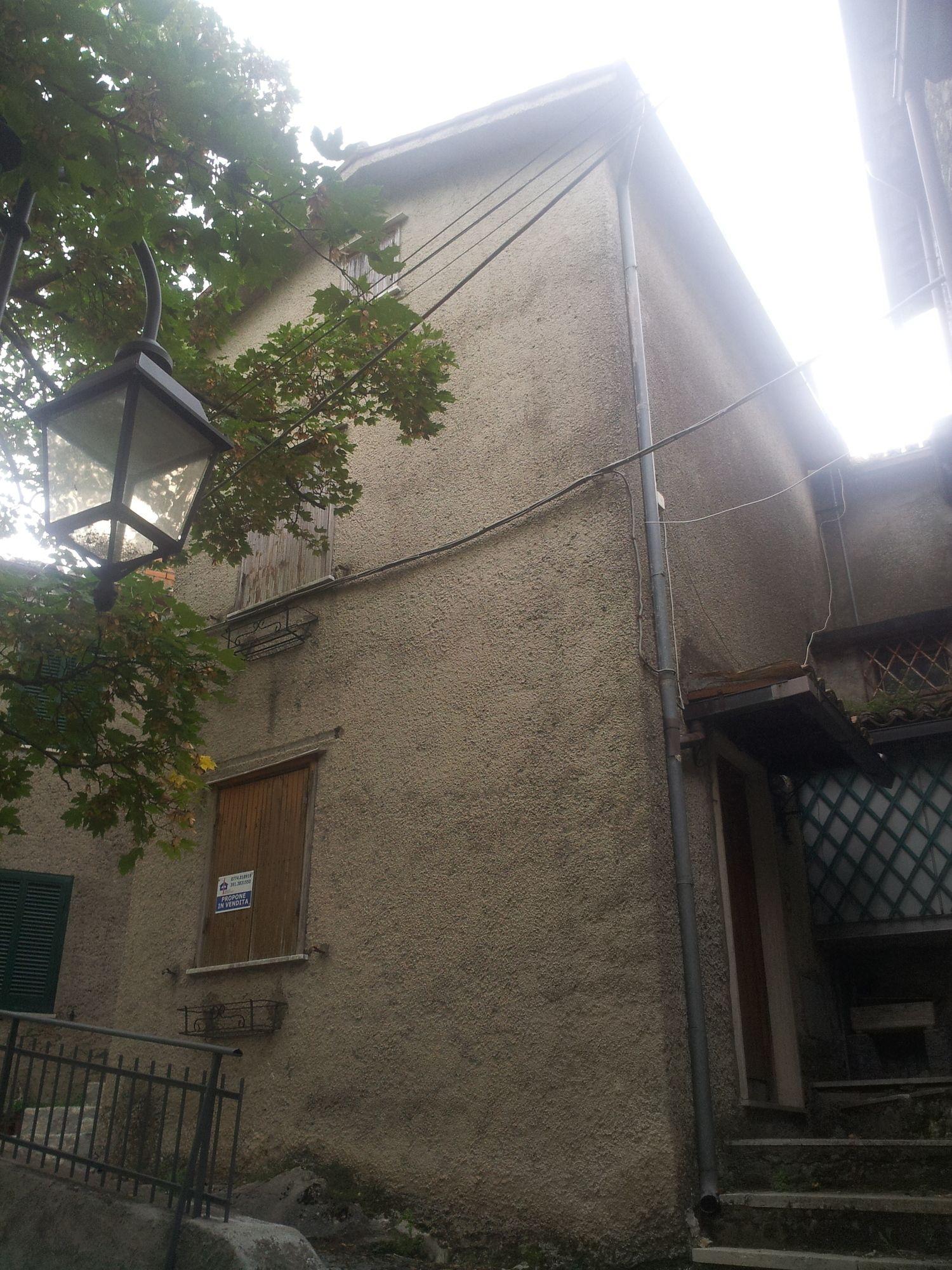 Appartamento in vendita a Rocca Canterano, 3 locali, prezzo € 33.000 | Cambio Casa.it