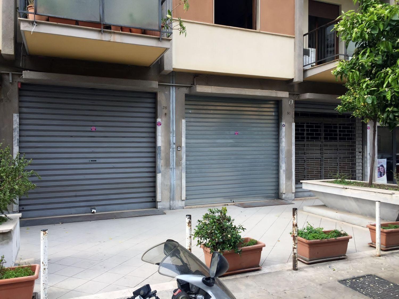 Immobile Commerciale in affitto a Palermo, 9999 locali, prezzo € 2.800 | CambioCasa.it