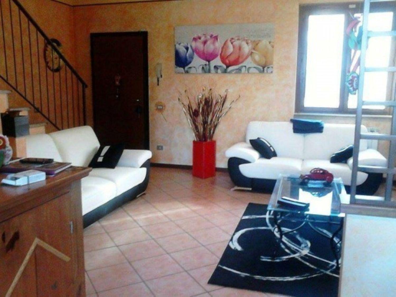 Villa a Schiera in Vendita a Gemonio