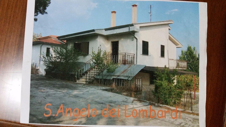 Villa Bifamiliare in vendita a Sant'Angelo dei Lombardi, 6 locali, prezzo € 120.000 | Cambio Casa.it