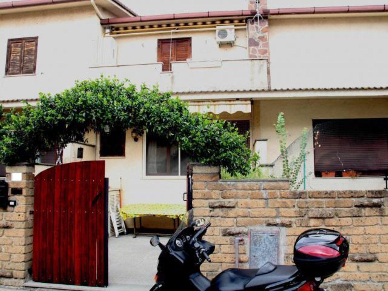 Villa a Schiera in vendita a Cerveteri, 3 locali, prezzo € 160.000 | Cambio Casa.it